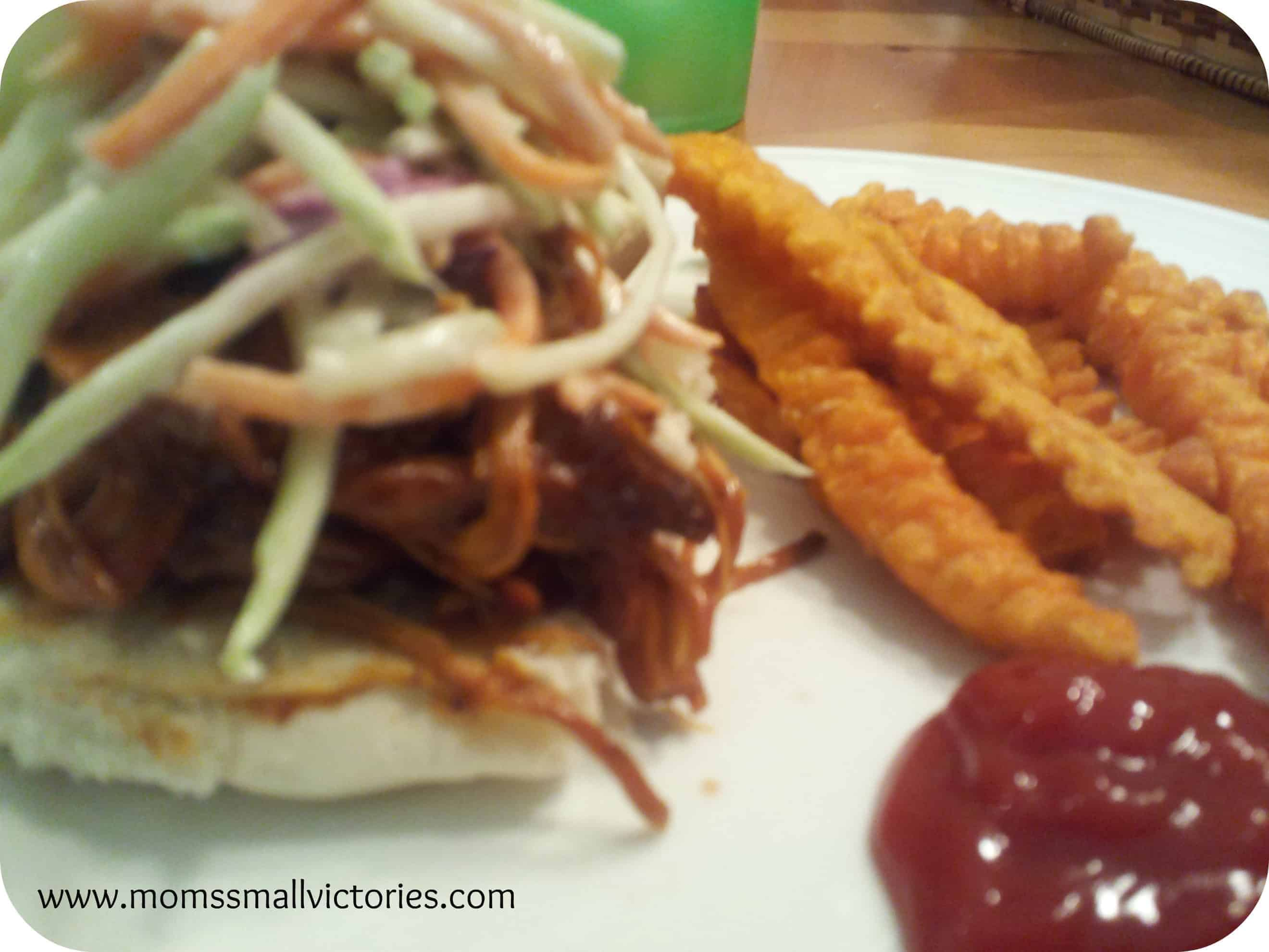 Recipe Review: Crockin' Girls Barbecue Chicken Sliders