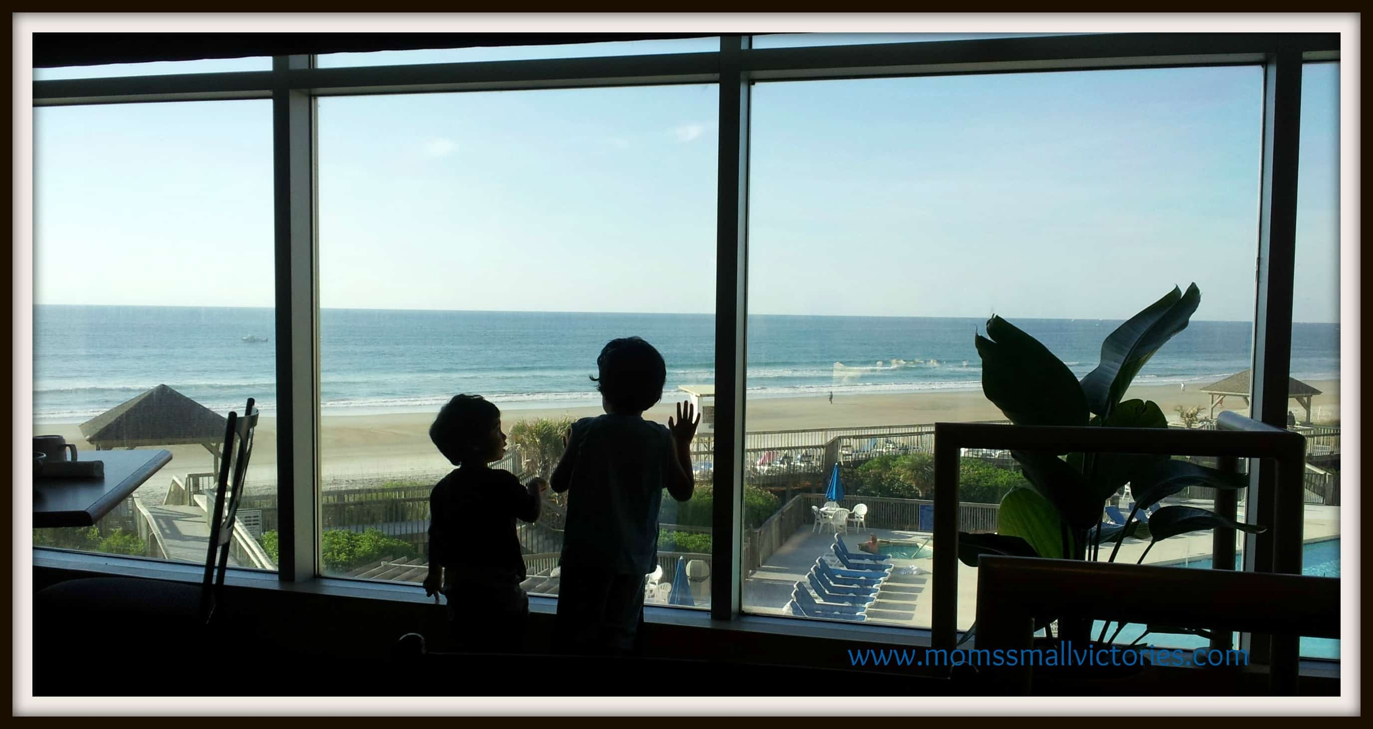 Wordless Wednesday: Breakfast at the Beach