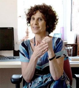 Shulamit Lando is an author, theracoach and patient thriving with Multiple Sclerosis.