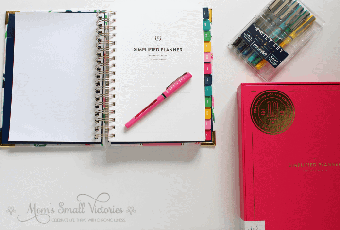 Simplified Planner Daily 2018-2019 Title Page, Emily Ley Pilot Precise Pen Set and Fuschia Keepsake Box