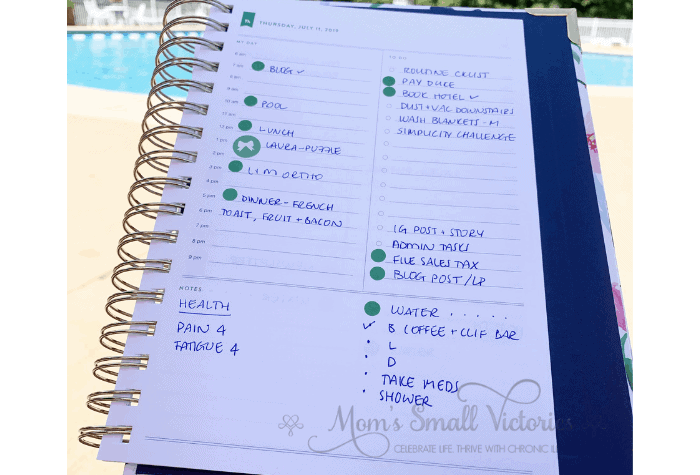 "The Daily Simplified Planner Review. I put colored dots and stickers in the ""my day"" section of the daily Simplified Planner page to signify when a must do has to be done. This helps me see both how long I have to finish it and how to pace myself so that I have energy to cook dinner and clean up at the end of the day."