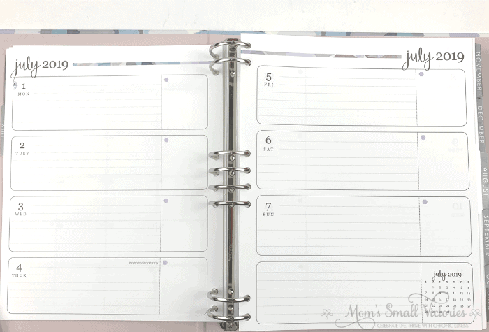 The horizontal neutral weekly layout in the Erin Condren LifePlanner binder has a large lined space for your to do list or journaling and a smaller box for things you want to highlight like appointments. Saturday and Sunday has an equally large space and an extra space for anything else you want to note.