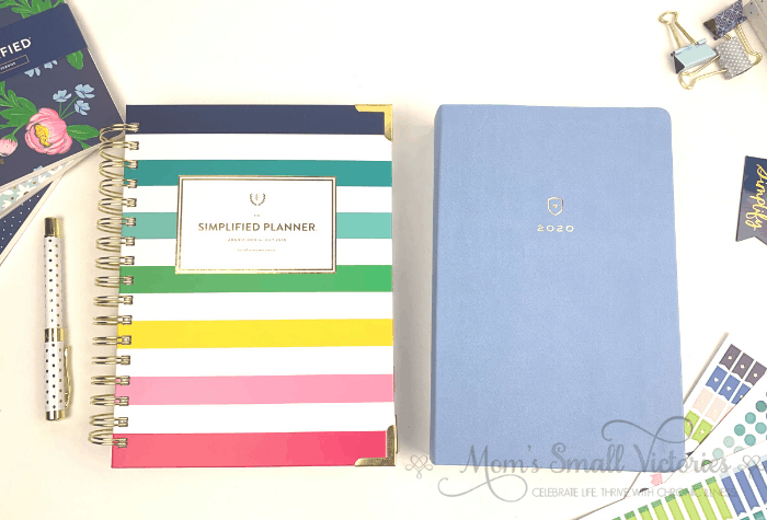 Emily Ley's Daily Simplified Planner vs Dapperdesk Planner side by side. Differences between the two planners described here so you can determine which is right for you.