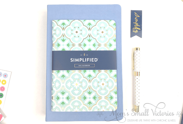 The sky blue 2020 Dapperdesk planner with the mint tile notebook.