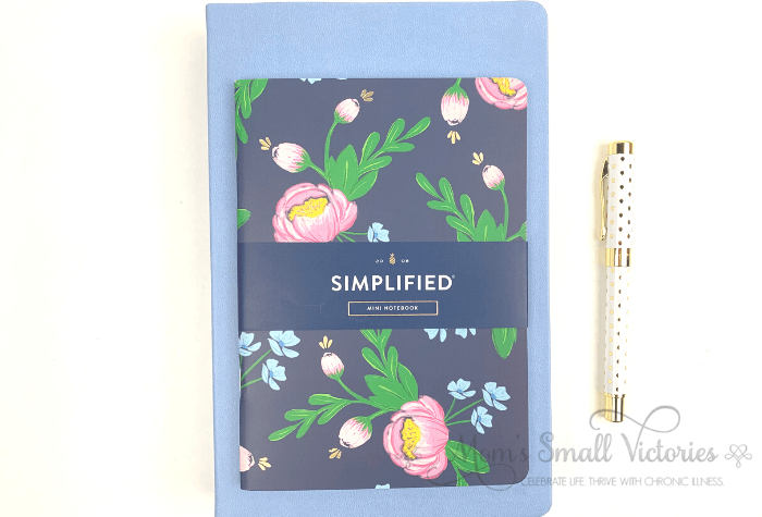The sky blue 2020 Dapperdesk Planner paired with the navy blooms notebook. A classic combination